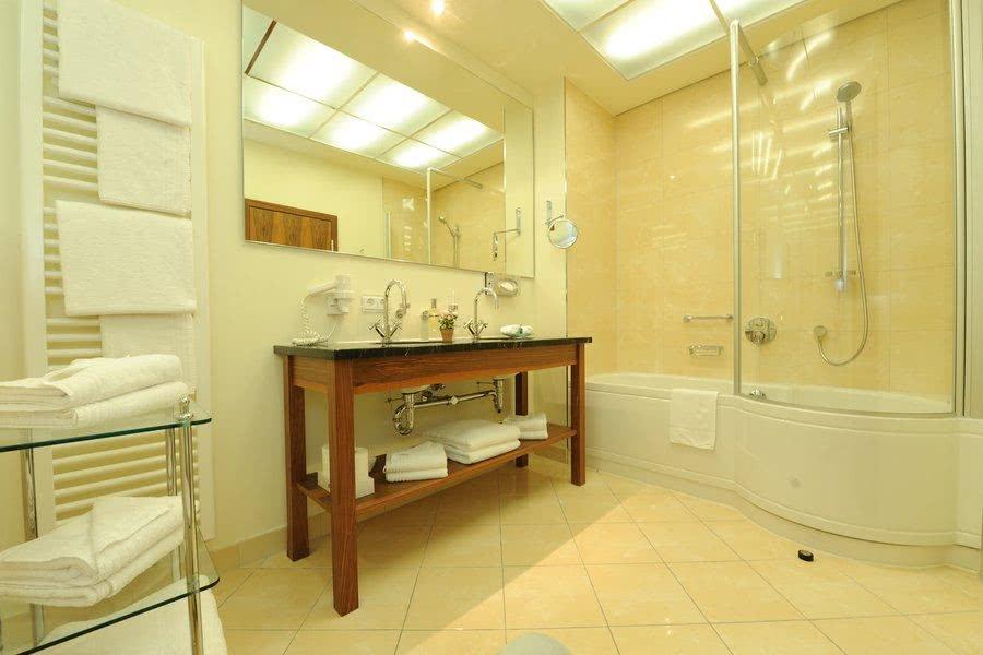 Park Suite · Badezimmer Luxury Suite Aparthotel