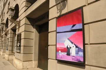 Fassade Theaterplakat