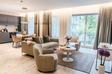 Apartment Wohn und Essbereich München Innenstadt