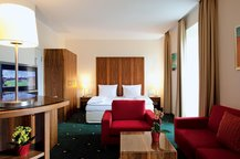 Schlafzimmer Wohnbereich Apartment München Maximilian Munich Apartments & Hotel