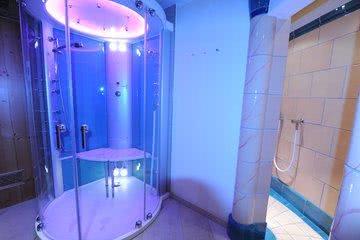 Beleuchtung Erlebnisdusche Sauna Hotel