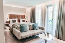 luxury garden studio bed aparthotel maximilian munich
