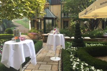 Stehtische Garten Feiern Hotel