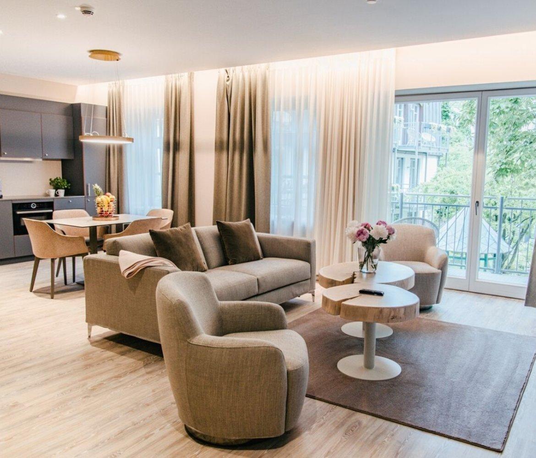 Living room luxury suite aparthotel Maximilian Munich