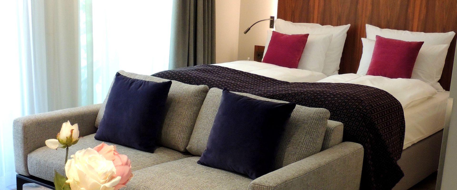 bett couch hotelzimmer maximilian munich header