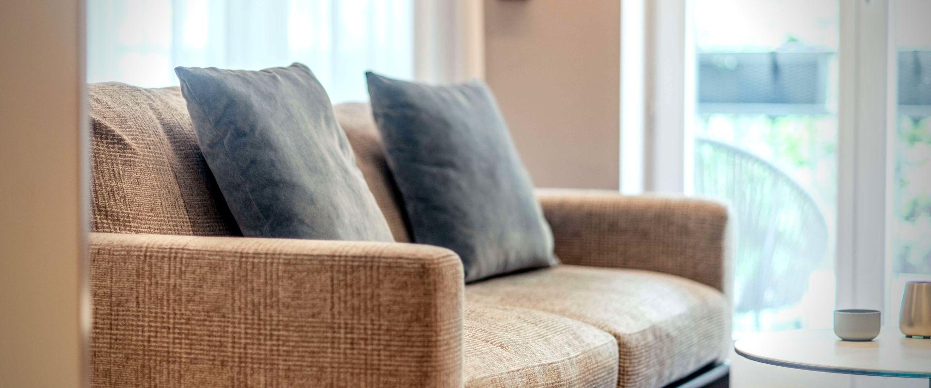 Wohnbereich Couch Maximilian Munich Hotel München
